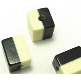 Abalorio Resina Blanco/Negro 22x18mm pase 4mm